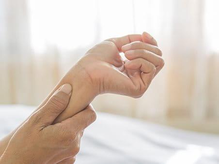 Hansaplast – Schmerzen im Handgelenk